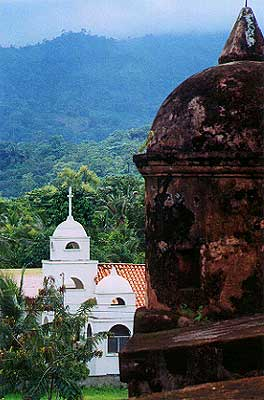 The Stutzs Travel Page: Honduras 2000