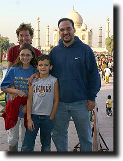 The Stutz family in front of the Taj Mahal!!