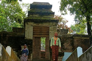 Keepers of the tombs at Imogiri.