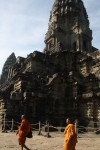 Monks explore Angkor Wat